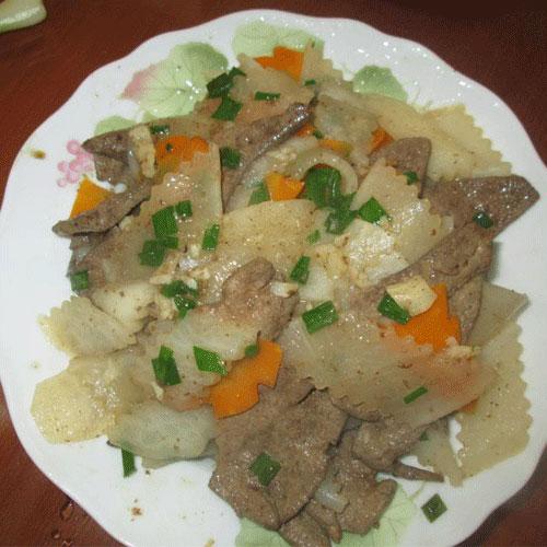 """Mách bạn cách nấu gan heo xào củ cải thơm ngon, mềm ngọt cho nồi cơm """"bay vèo"""" trong chốc lát"""